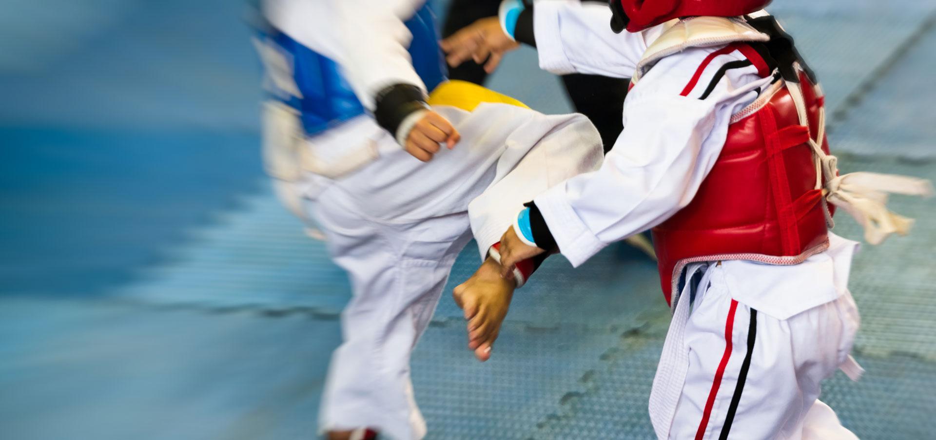 Enfants en combat avec bandal tchagui